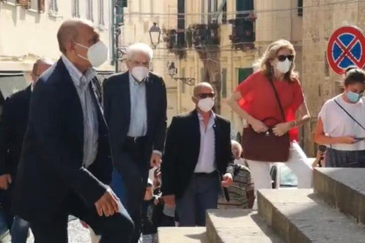 Il Presidente Mattarella a messa nella cattedrale di Santa Maria