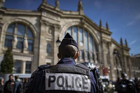 Allerta bomba a Parigi: evacuata la Gare du Nord