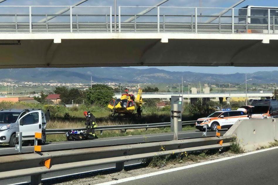 Incidente stradale sulla 554: motociclisti soccorsi a Monserrato