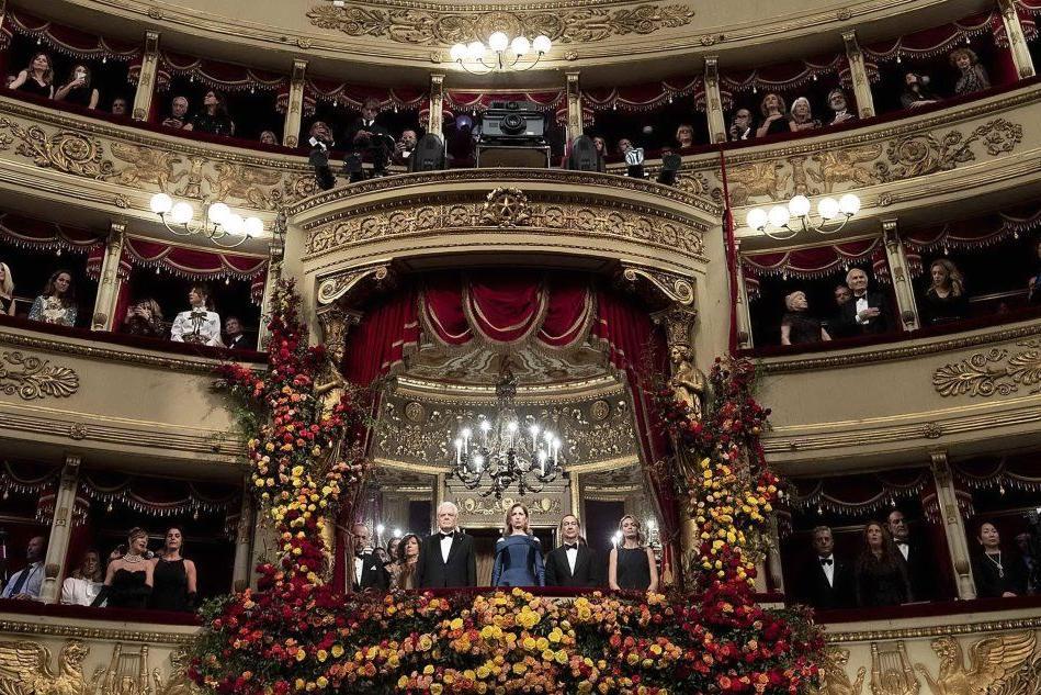 Il Tempio della Lirica alza il sipario con l'Attila di Verdi: ovazione per Mattarella