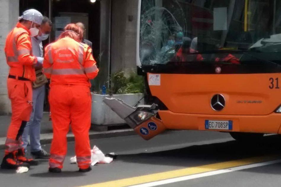 Cagliari, donna investita da un bus: ricoverata in condizioni gravissime