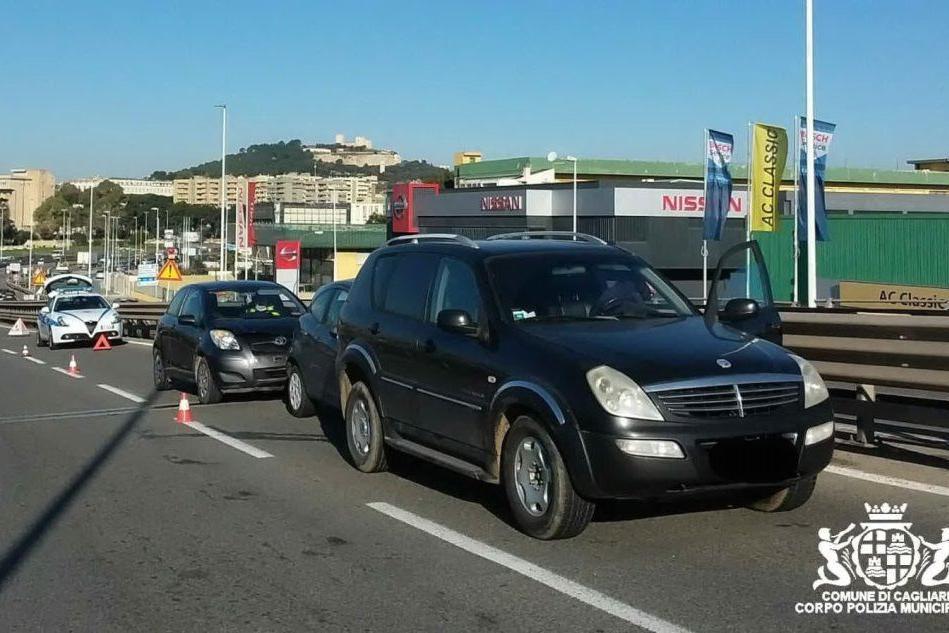 Tamponamento sull'Asse mediano, coinvolte tre auto