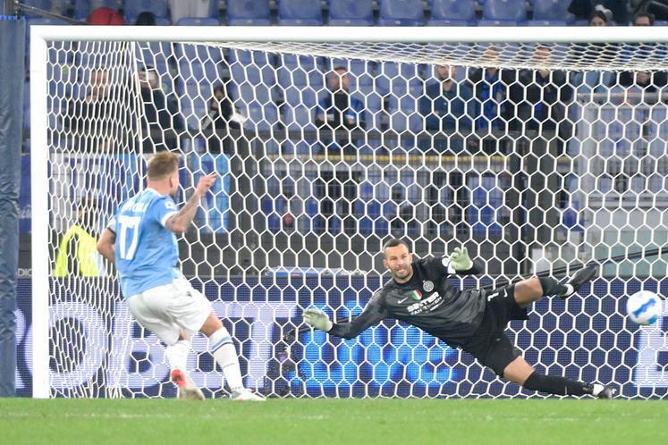 Spezia batte Salernitana nello scontro diretto, la Lazio piega l'Inter 3-1