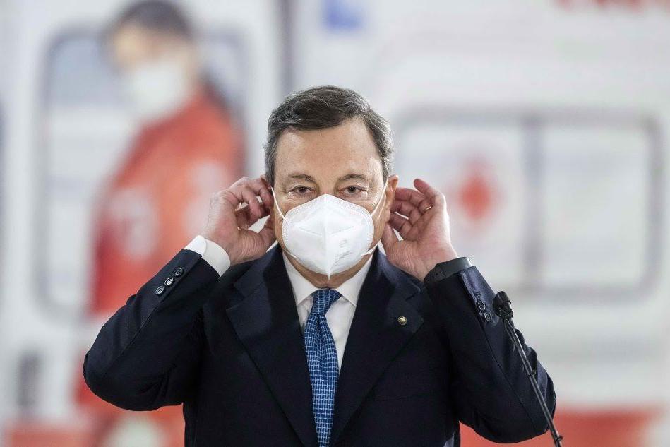 """Draghi: """"L'obiettivo è triplicare le somministrazioni del vaccino"""""""