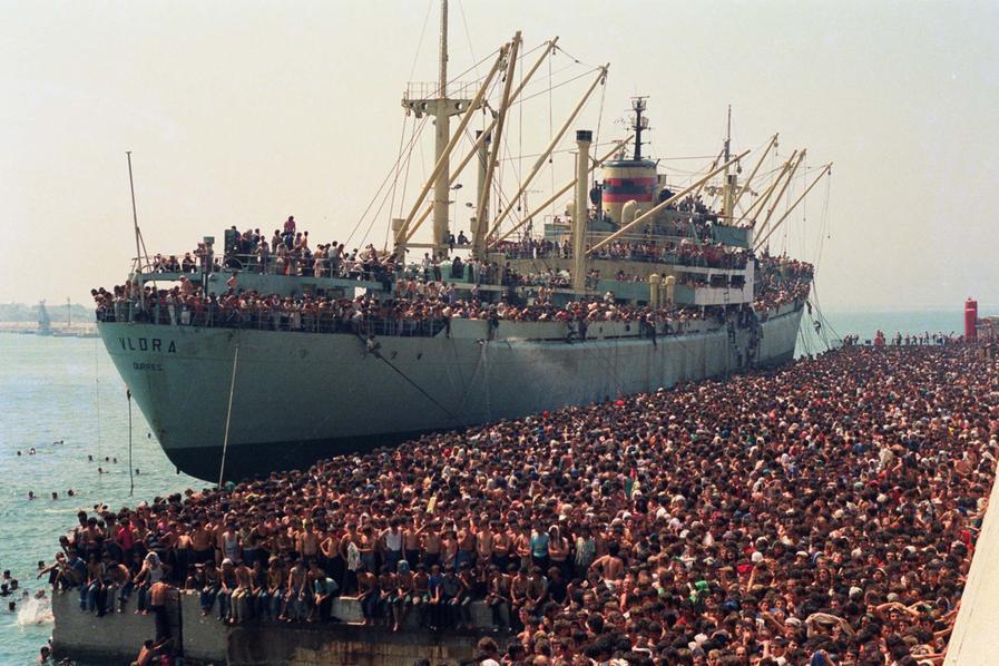 Vlora, la nave carica di uomini che fece dell'Italia una terra promessa