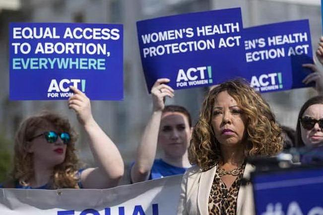 South Carolina: firmata la legge sull'aborto più severa degli Usa, carcere per i medici