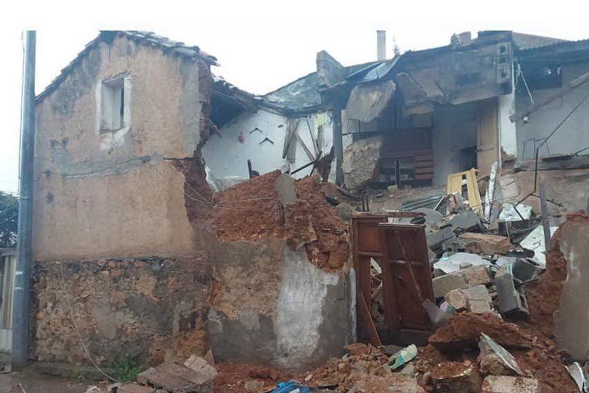 Paura a Villacidro, crolla una vecchia abitazione