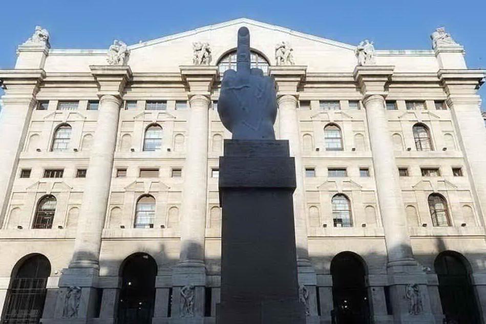 Borsa, Milano chiude a -0,66%: bene Saipem e Atlantia