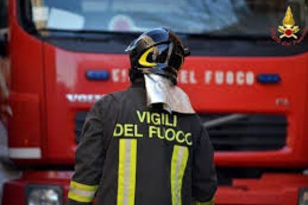 Scoppia incendio in casa, momenti di paura a San Sperate