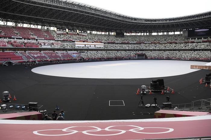 Tokyo, il virus si insinua nella bolla: primi tre atleti positivi, tra 5 giorni il via ai Giochi