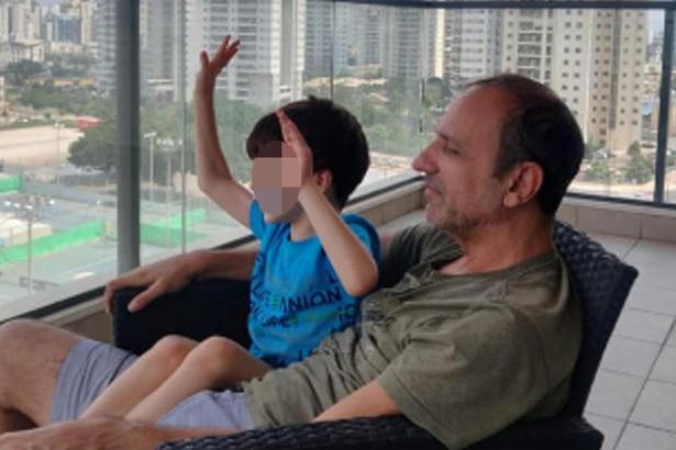 """La tutrice di Eitan domenica va in Israele, lo zio: """"Siamo preoccupati per la sua salute mentale"""""""