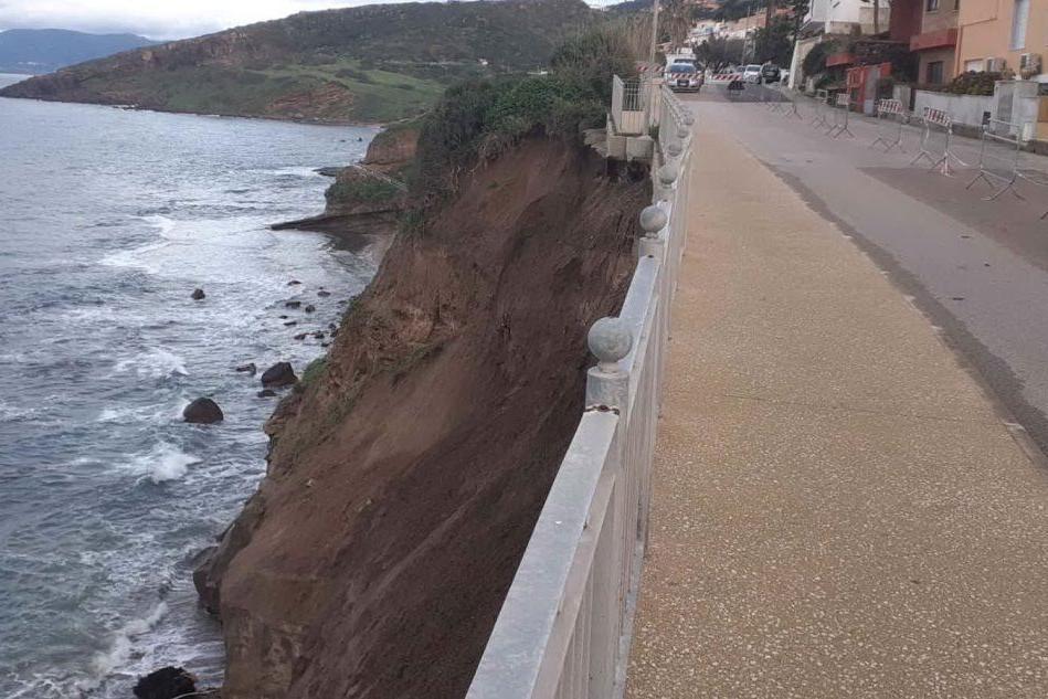Castelsardo, l'erosione presenta il conto di un errato sviluppo edilizio