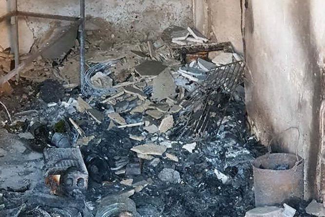 Masullas, incendio in una casa abbandonata