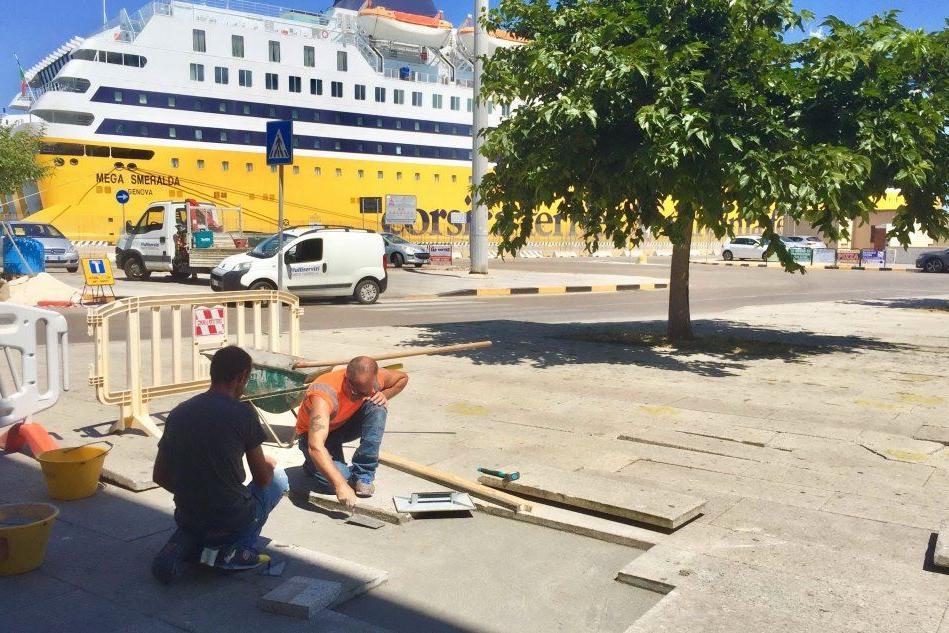 Porto Torres, al via la sistemazione della pavimentazione di piazza Colombo