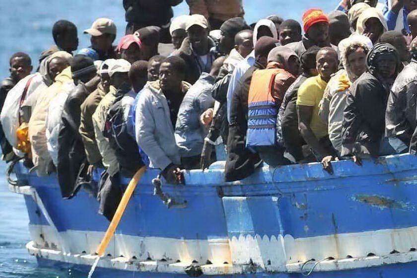 Approda in Sicilia la Aita Mari con 158 migranti