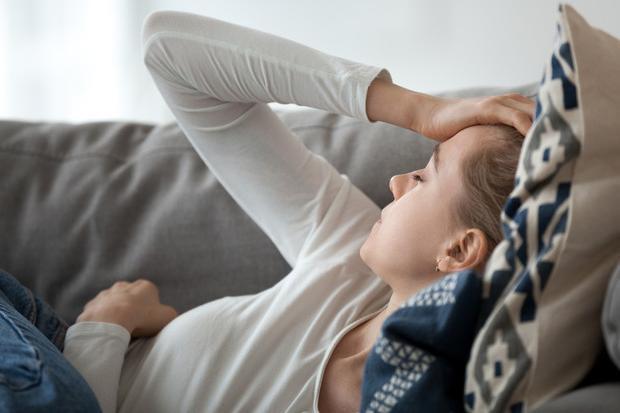 Cefalea, ictus, perdita di gusto e olfatto: tutte le complicanze neurologiche del Covid