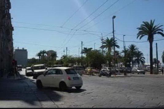 Cagliari, lite e ressa di ragazzini senza mascherine: arriva la Polizia