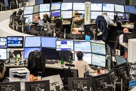 Borse europee in ribasso, Milano perde lo 0,64%