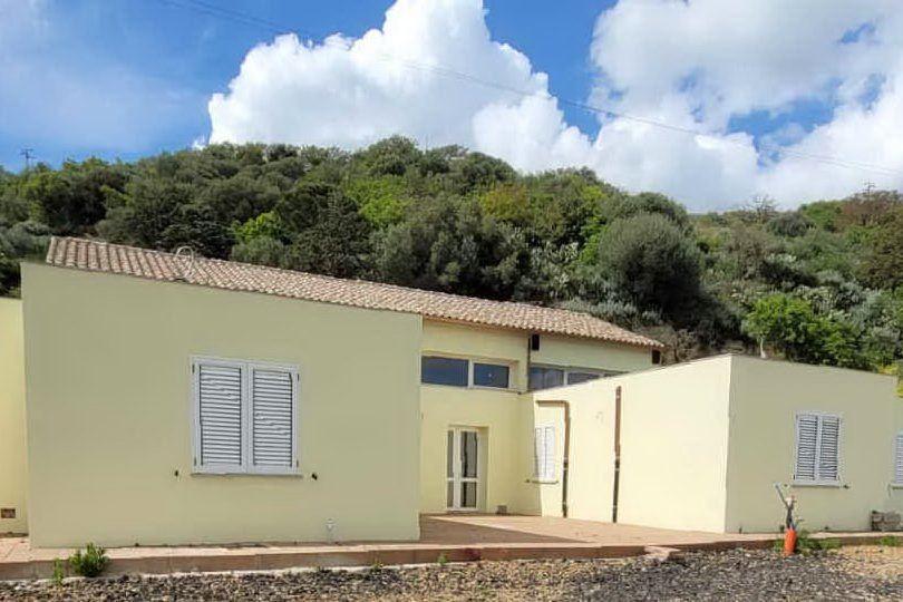La nuova casa di riposo di Borutta (foto Tellini)