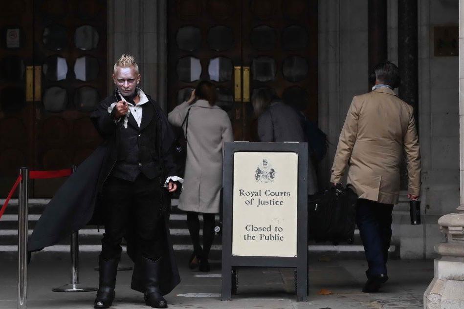 """Johnny Depp perde il processo, """"schiaffo"""" dalla giustizia britannica"""