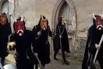 Ula Tirso, sfilata di maschere antiche tra le vie del paese