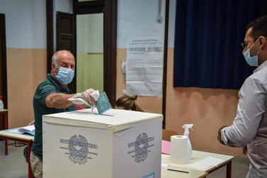 Amministrative in Sardegna, 98 Comuni alle urne: l'elenco di tutti i candidati