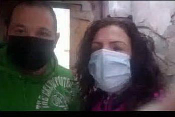 Senza casa dopo incendio doloso a un'auto parcheggiata lì vicino, coppia di Quartu disperata