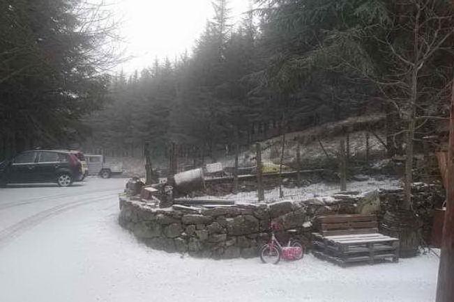 Neve a Fonni, un manto bianco ricopre le cime del Gennargentu
