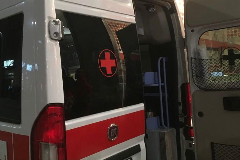 Quartucciu, auto esce di strada: conducente in ospedale