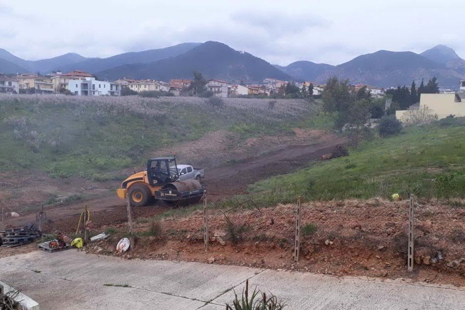 Villacidro, lavori in corso per sistemare strada e impianto fognario