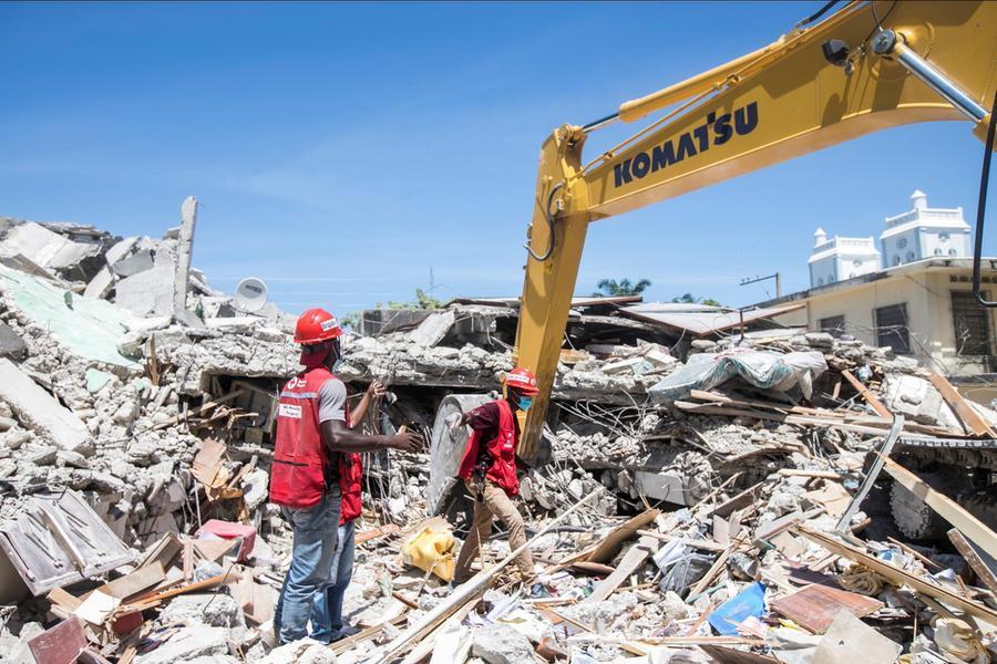 """Haiti,almeno 1.300 morti per il terremoto: """"Situazione tragica"""""""