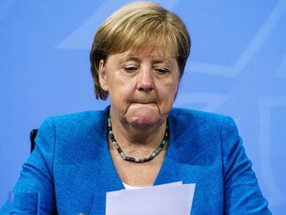 """Finisce l'era di Angela Merkel. """"La ragazza"""" di Helmut Kohl divenuta la donna più potente al mondo"""