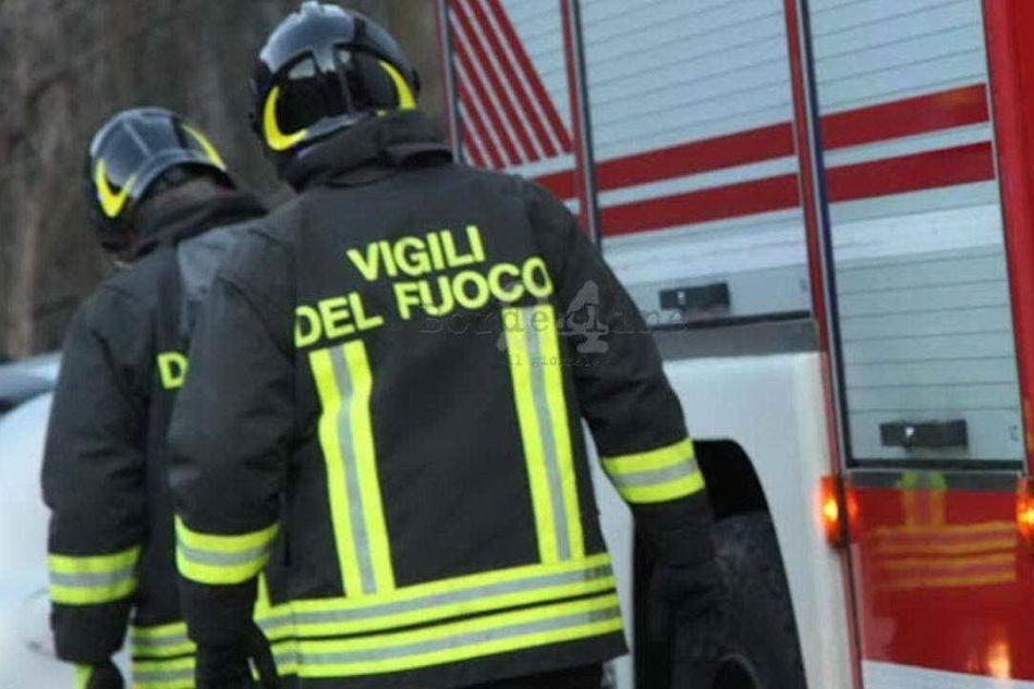 Incendio in un appartamento, trovata una donna senza vita