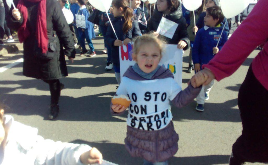 La manifestazione a Gonnosfanadiga (L'Unione Sarda - Cazzaniga)