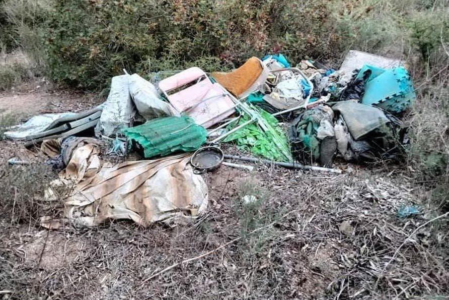 I rifiuti (foto concessa)