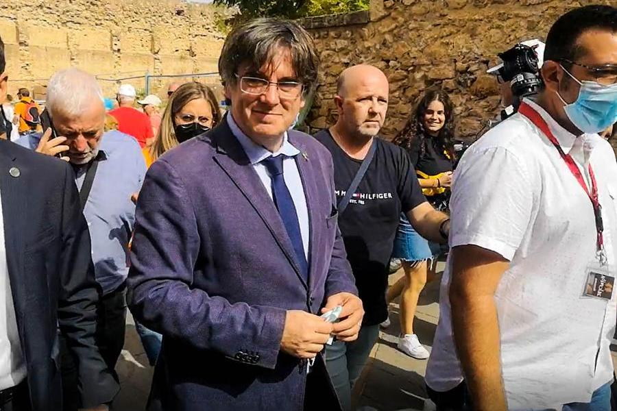 """Puigdemont: """"Torneremo ad Alghero come cittadini liberi di una Repubblica"""""""