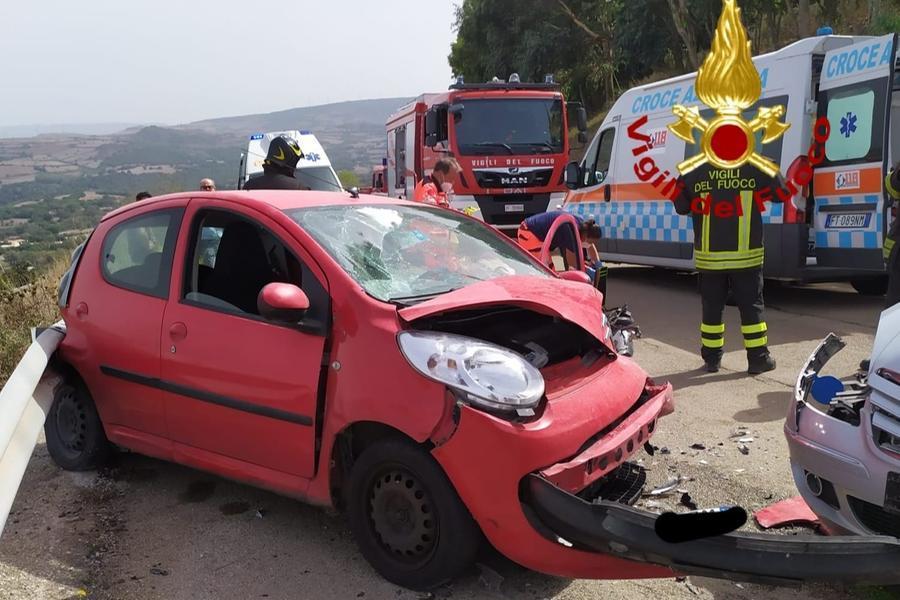 Frontale a Osilo, due feriti portati in ospedale