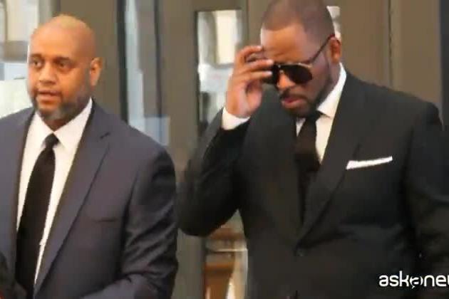 Abusi sessuali sulle donne: condannato il cantante R. Kelly