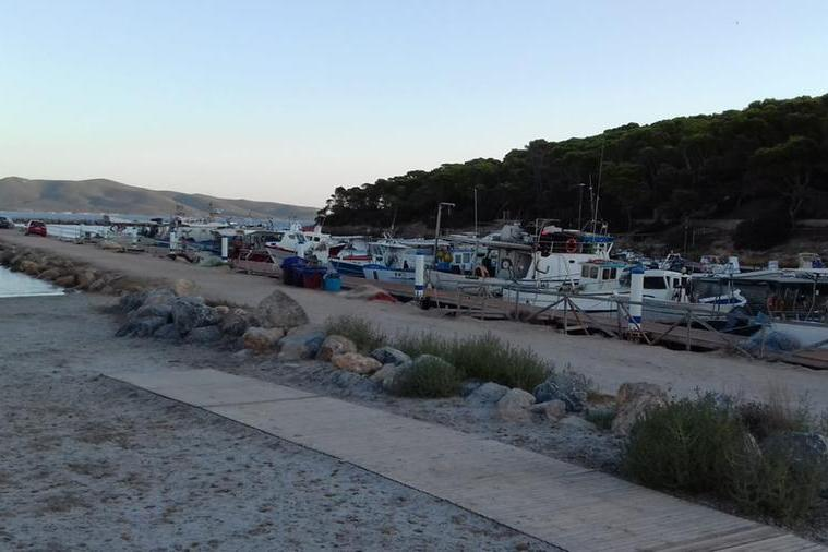Sciroccata, danni nella spiaggia di Porto Pino
