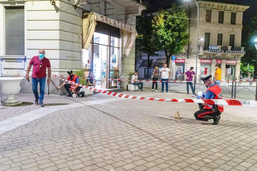 La piazza in cui è stato ucciso il 38enne (Ansa)