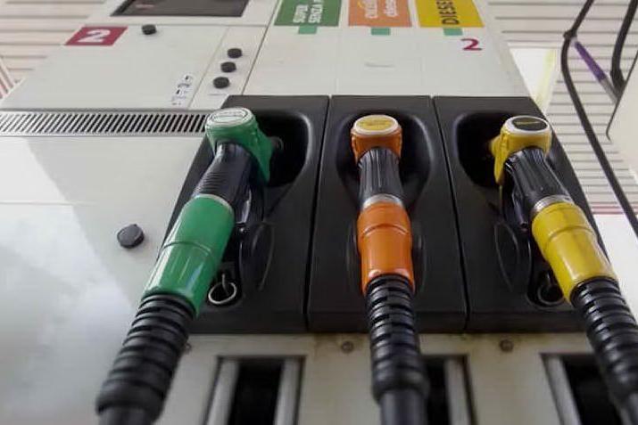 I benzinai incrociano le braccia: sciopero dal 14 al 17 dicembre