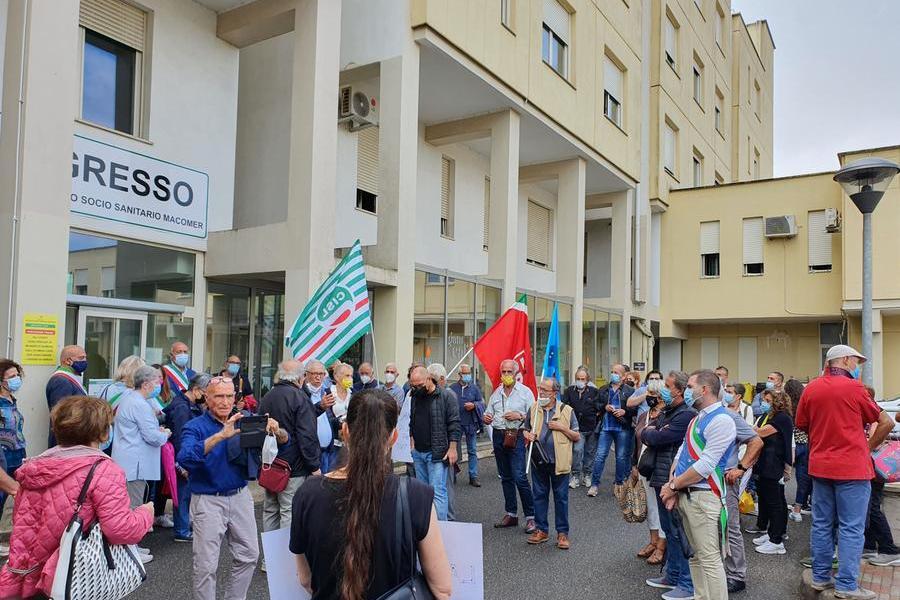 Macomer, in 300 alla manifestazione per la sanità nel Marghine