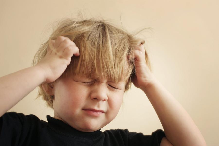 """Covid e bambini, l'allarme dei pediatri: """"Attenti ai disturbi del comportamento"""""""