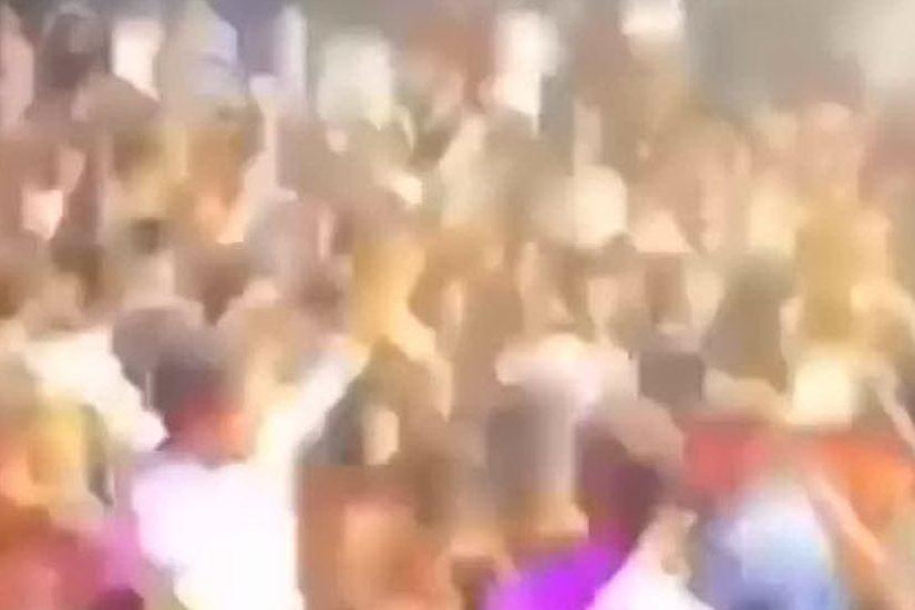 Folla in discoteca e zero mascherine: polemiche a San Teodoro