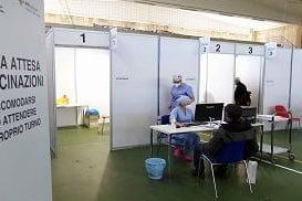 Un centro vaccini (Archivio L'Unione Sarda)