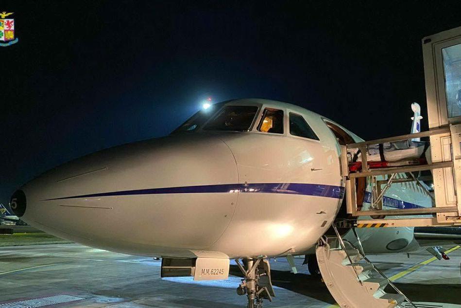Cagliari, 13enne in pericolo di vita: decolla il Falcon dell'Aeronautica