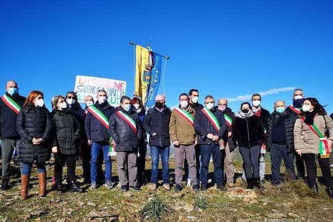 Un solo medico per quasi duemila abitanti: protesta tra Seui e Ussassai
