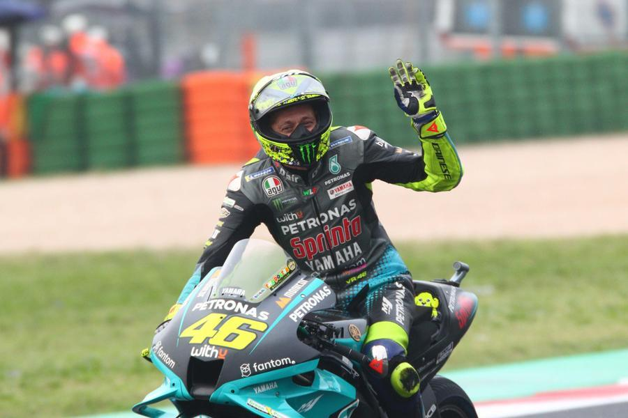 Moto, ultima gara in Italia per Valentino Rossi. AMisano vince Marquez, Quartararo campione del mondo
