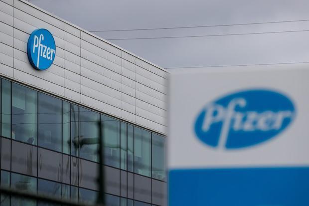 """Vaccino Pfizer, i dati Usa: """"L'efficacia contro i ricoveri cala dopo 4 mesi"""""""