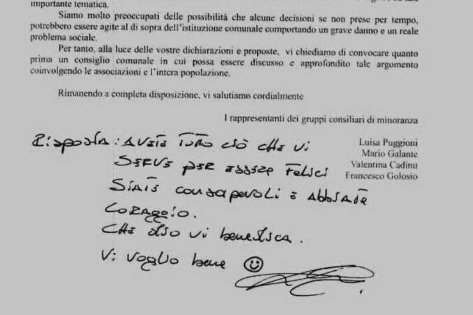 """""""Vi voglio bene"""": Mamoiada, l'originale risposta del sindaco all'opposizione"""